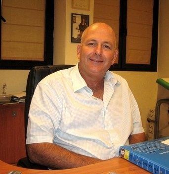 Профессор Амос Торен является ведущим специалистом в области детской онкогематологии.