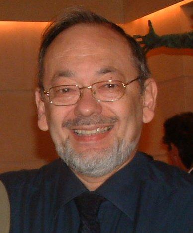 Профессор Дан Адарка является специалистом высочайшего класса по онкологическим заболеваниям пищеварительной системы.